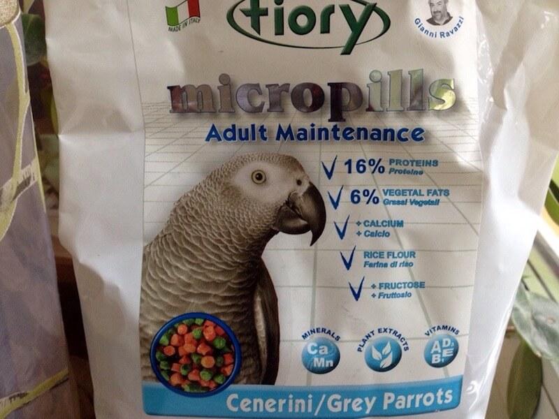гранулы fiory для попугаев жако
